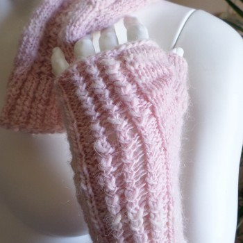Pink Glowes