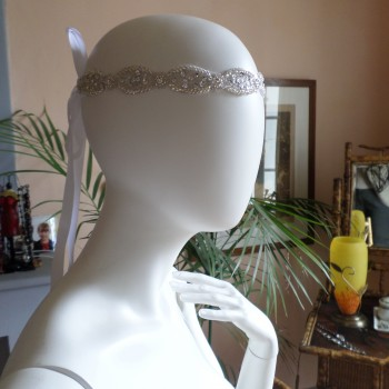 Headbead White With Ribbon