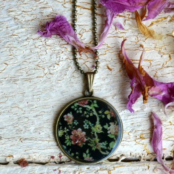 Vintage Roses Necklace VENDU!!!