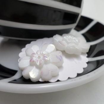Earring White Flower