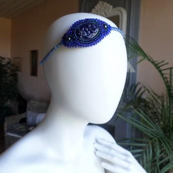 Serre-Tête Bleu Avec Un Cabochon